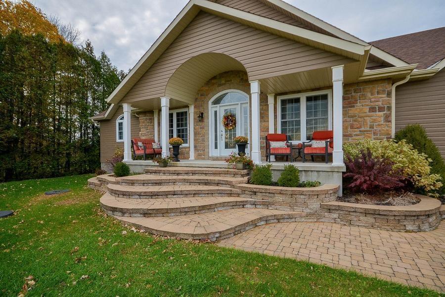 11323 Lakeshore Drive, Iroquois, Ontario K0E1K0