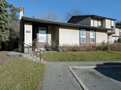 Photo of 174 Mclintock Way, Kanata, Ontario K2L2A4