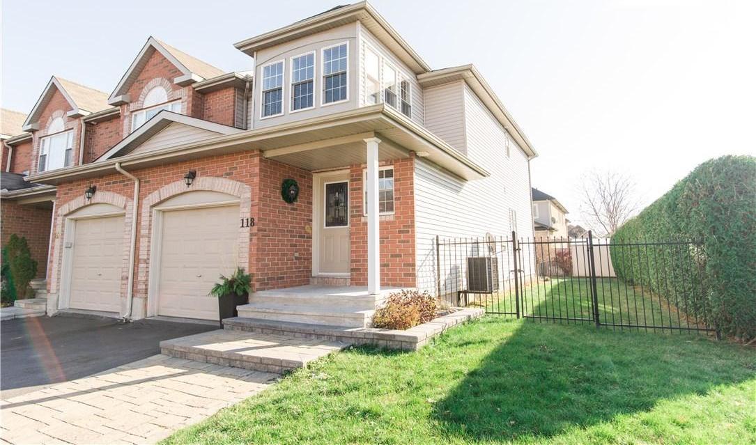118 Topham Terrace, Ottawa, Ontario K4A5B7