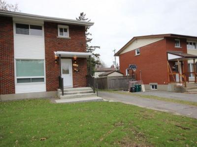 Photo of 1000 Mossdale Street, Ottawa, Ontario K2B5S7