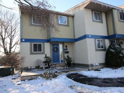 Photo of 4299 Meadowvale Lane, Ottawa, Ontario K1B5A1