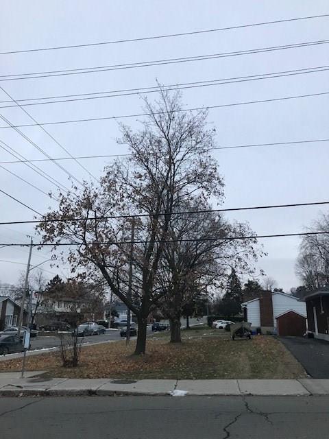 1389 Belcourt Boulevard, Orleans, Ontario K1C1M1