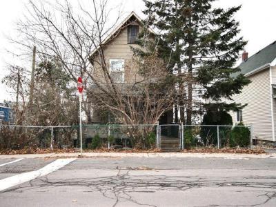 Photo of 320 Carleton Avenue, Ottawa, Ontario K1Y0J8