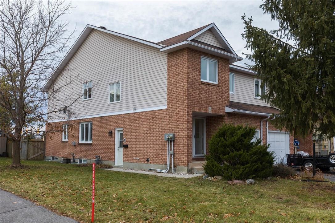 1a Hawley Crescent, Ottawa, Ontario K2M1T2