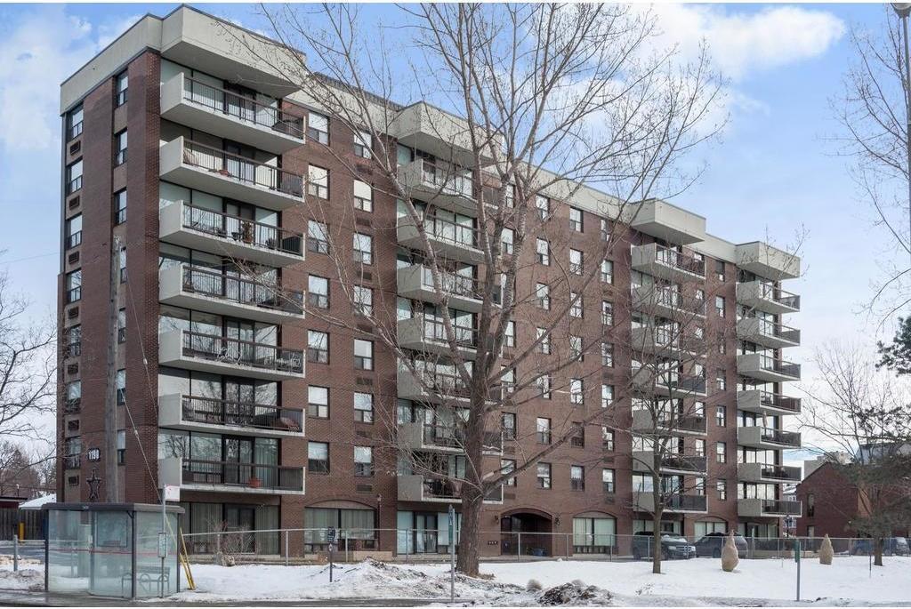 1190 Richmond Road Unit#403, Ottawa, Ontario K2B8J3