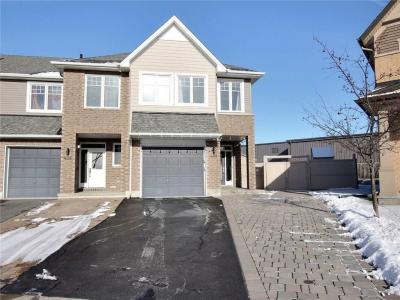 Photo of 458 Stalwart Crescent, Gloucester, Ontario K1T0H2