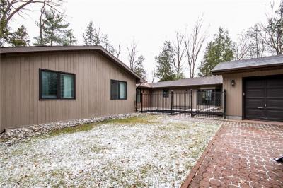 Photo of 3954 Armitage Avenue, Dunrobin, Ontario K0A1T0