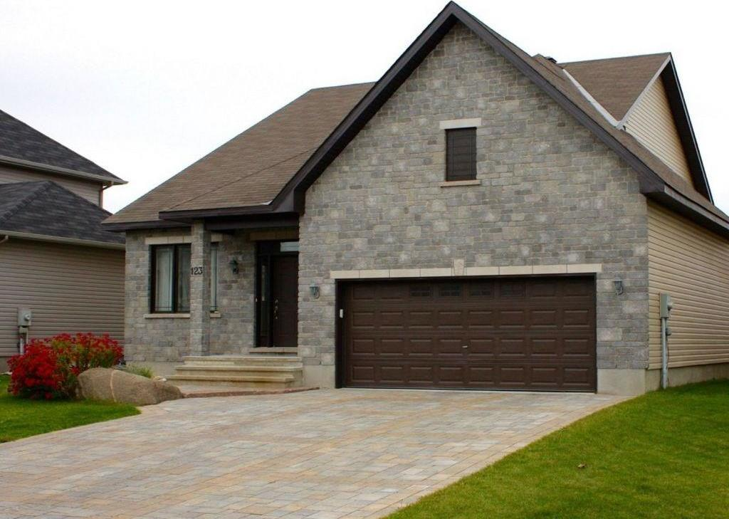123 Brunet Street, Limoges, Ontario K0A2M0