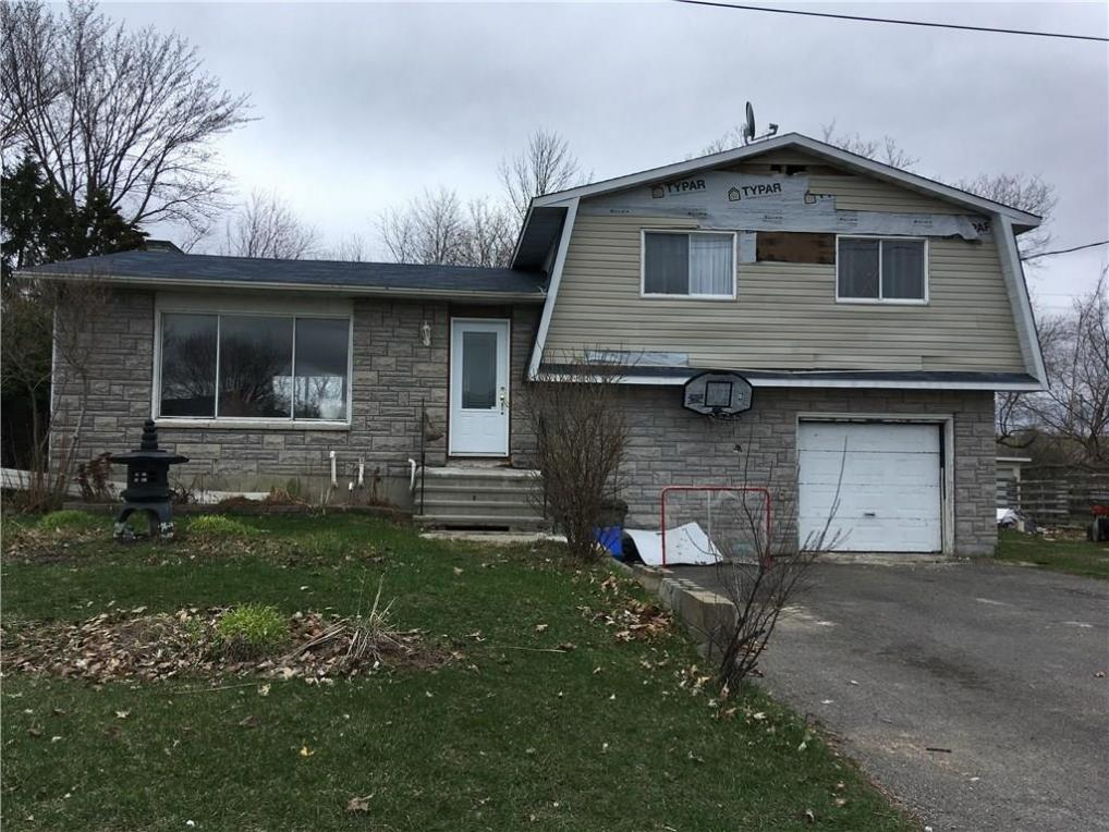 1011 St Jacques Street, Rockland, Ontario K4K1C1