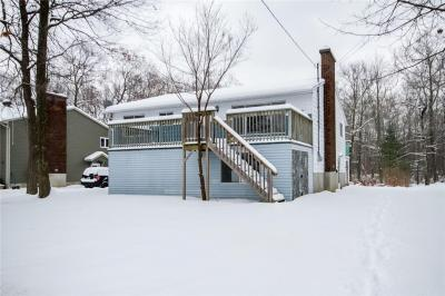 Photo of 829 Bayview Drive, Woodlawn, Ontario K0A3M0