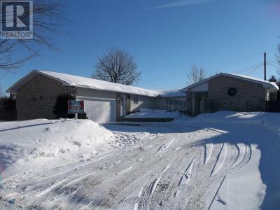 Photo of 937 Seguin Street, Hawkesbury, Ontario K6A2Z9