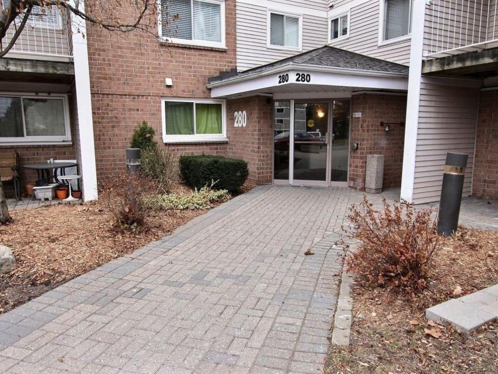 280 Brittany Drive Unit#317, Ottawa, Ontario K1K4M4