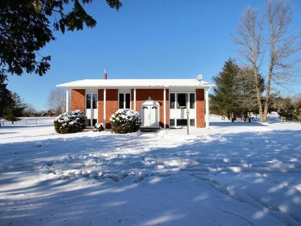 2225 Abbott Road, Kemptville, Ontario K0G1J0