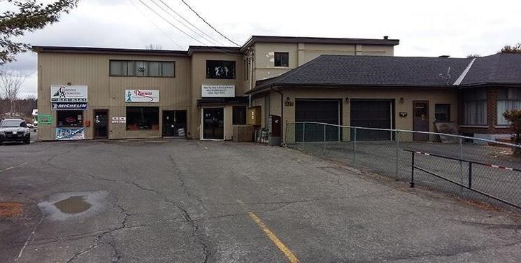 822 Cedarview Road, Ottawa, Ontario K2R1J1