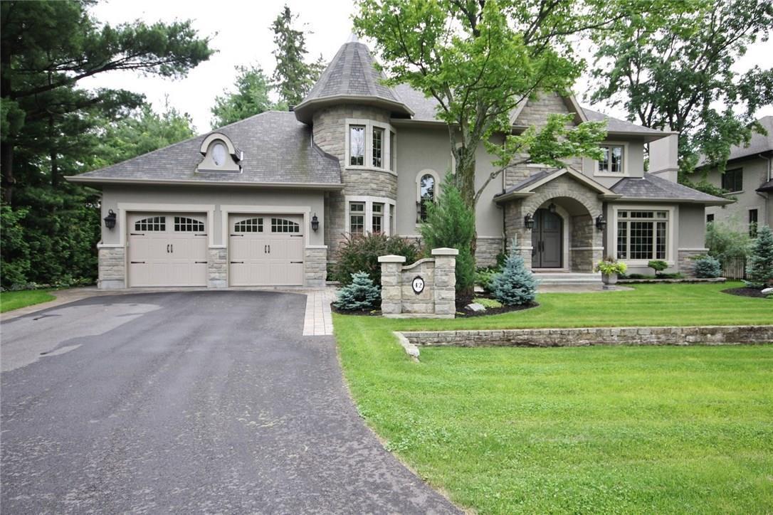42 Promenade Avenue, Ottawa, Ontario K2E5X8