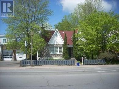 178-182 John Street, Hawkesbury, Ontario K6A1X9