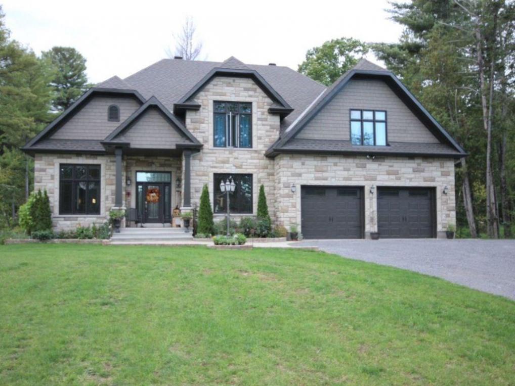 173 Adrien Street, Rockland, Ontario K4K1K7