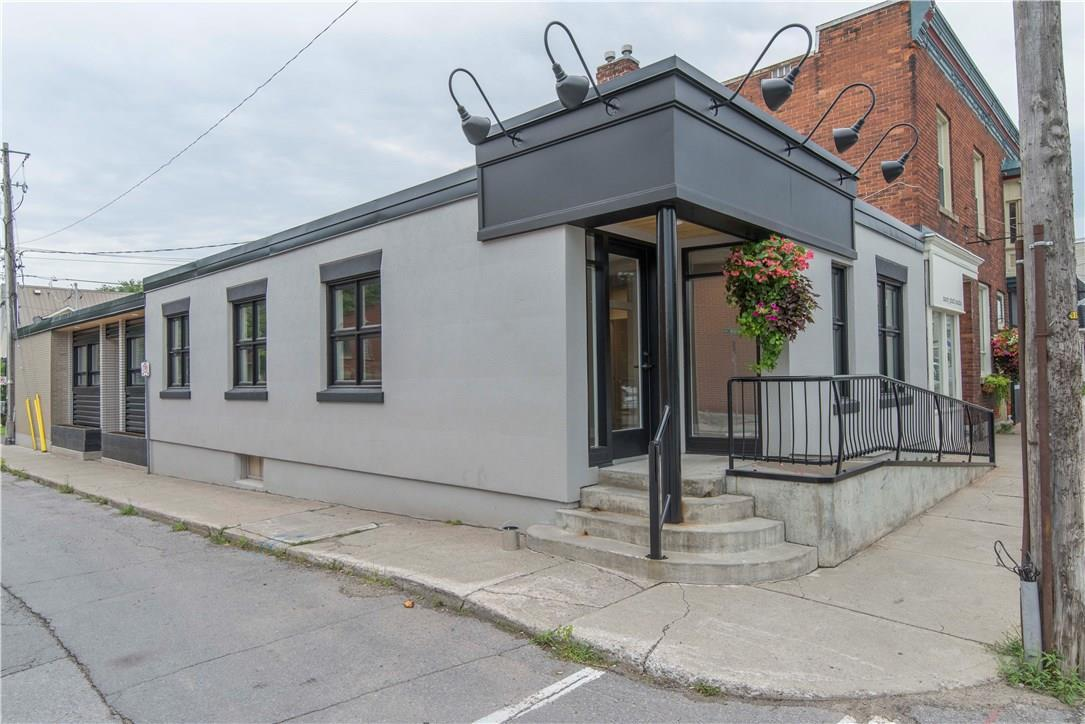 118 Water Street, Almonte, Ontario K0A1A0