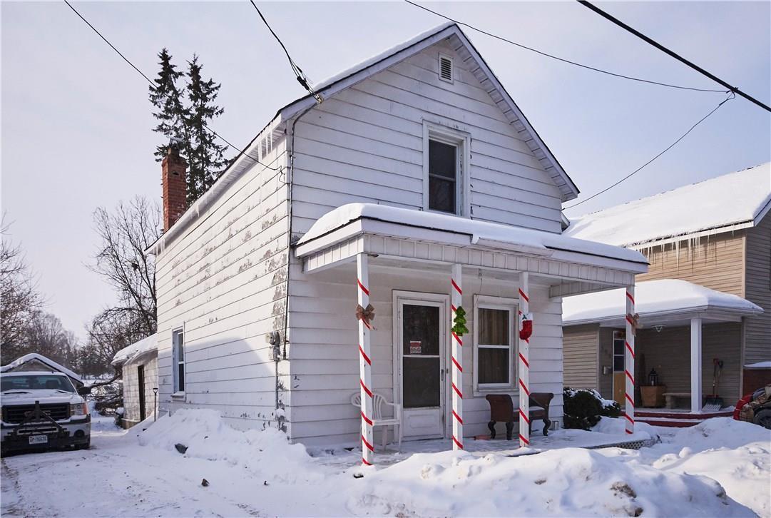 126 Mcgonigal Street W, Arnprior, Ontario K7S1M4