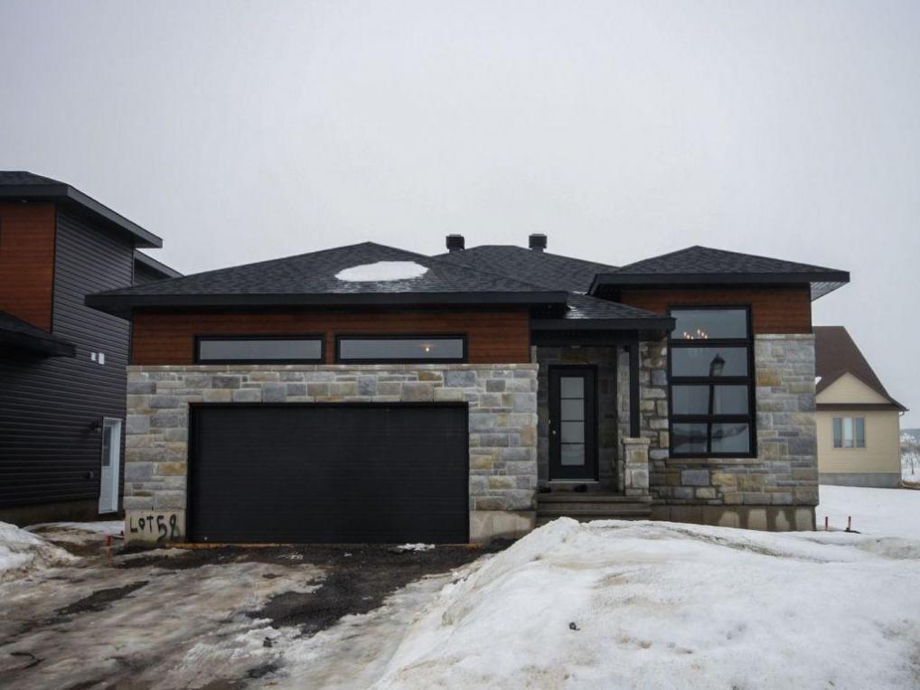 53 Granite Street, Rockland, Ontario K4K1P6