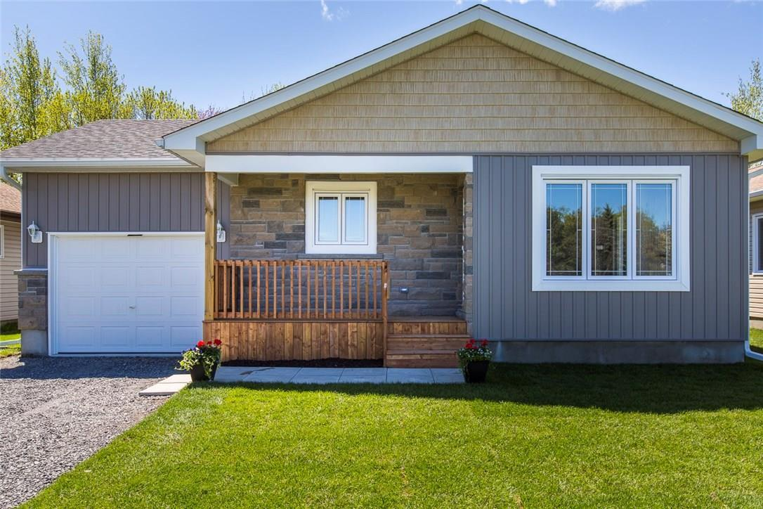 1004 Teena Colleen Private, Greely, Ontario K4P1C6