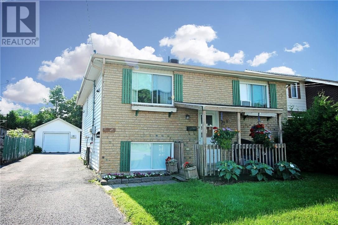 285-287 Kitchener Street, Hawkesbury, Ontario K6A2P1