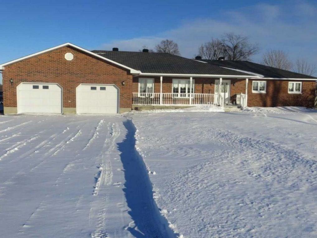 7621 Bank Street, Metcalfe, Ontario K0A2P0