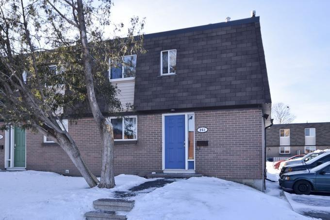 261 Ridgepark Private, Nepean, Ontario K2G1H1