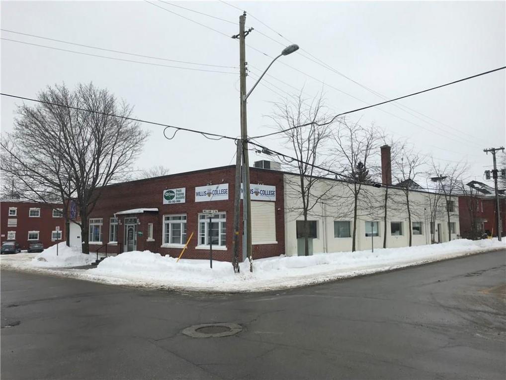 12 Maple Avenue, Smiths Falls, Ontario K7A1Z5