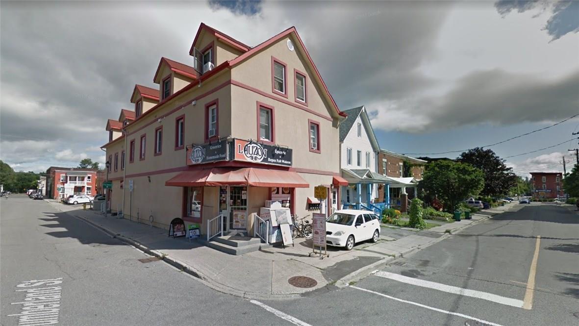 207 Guigues Avenue, Ottawa, Ontario K1N5J3