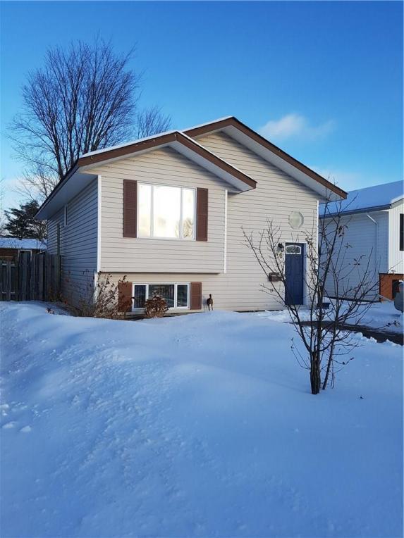 16 Briarwood Drive, Petawawa, Ontario K8H3N8