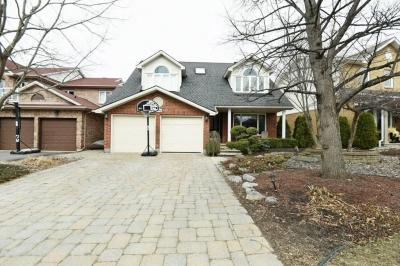 Photo of 2996 Courtyard Crescent, Ottawa, Ontario K1T3R8