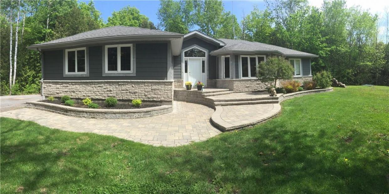 8060 Iveson Drive, Metcalfe, Ontario K0A2P0
