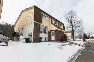 Photo of 31 Forester Crescent Unit#d, Ottawa, Ontario K2H8Y3