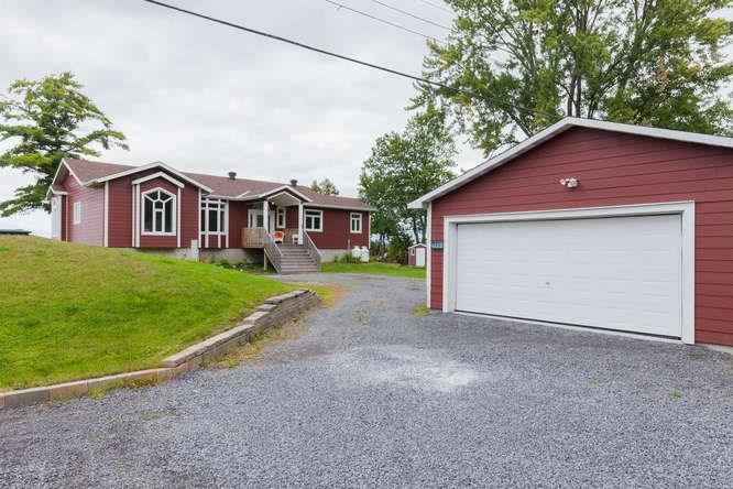 2991 Leo Lane, Cumberland, Ontario K4C1A6