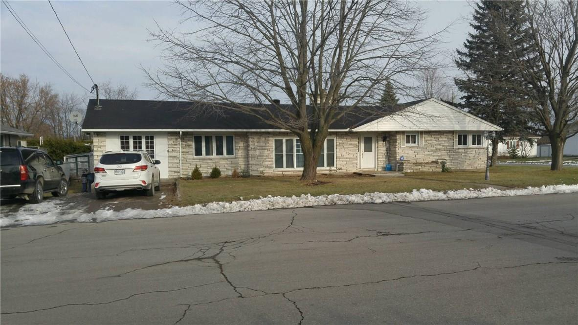 375-383 Nelson Street E, Hawkesbury, Ontario K6A1M1