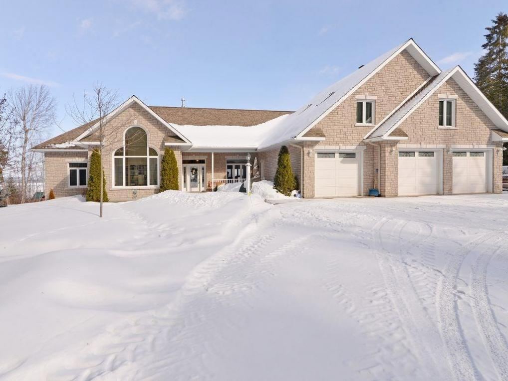 15 Ridgeview Drive, Braeside, Ontario K0A1G0