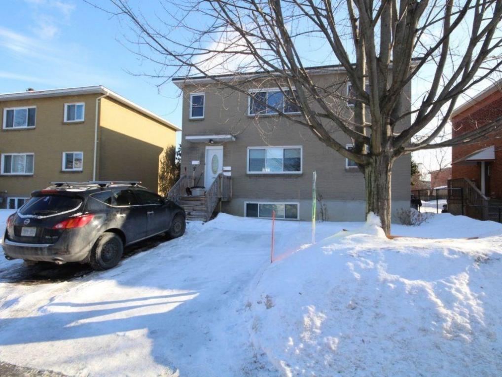2495 Clover Street, Ottawa, Ontario K1V8G6