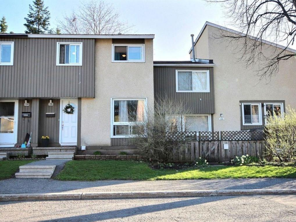 1396 Lassiter Terrace, Gloucester, Ontario K1J8N3
