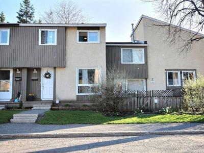 Photo of 1396 Lassiter Terrace, Gloucester, Ontario K1J8N3