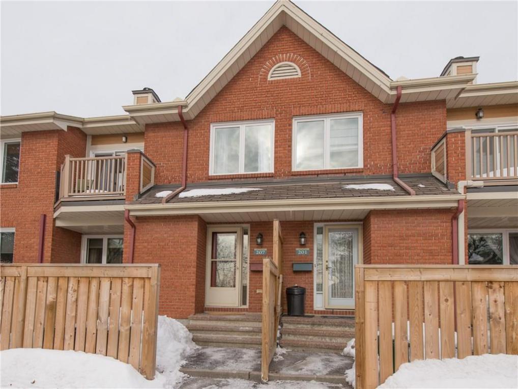 520 Canteval Terrace Unit#207, Ottawa, Ontario K4A2C9