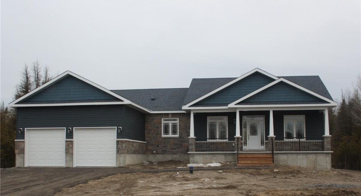 323 Moore Crescent, Kemptville, Ontario K0A1J0