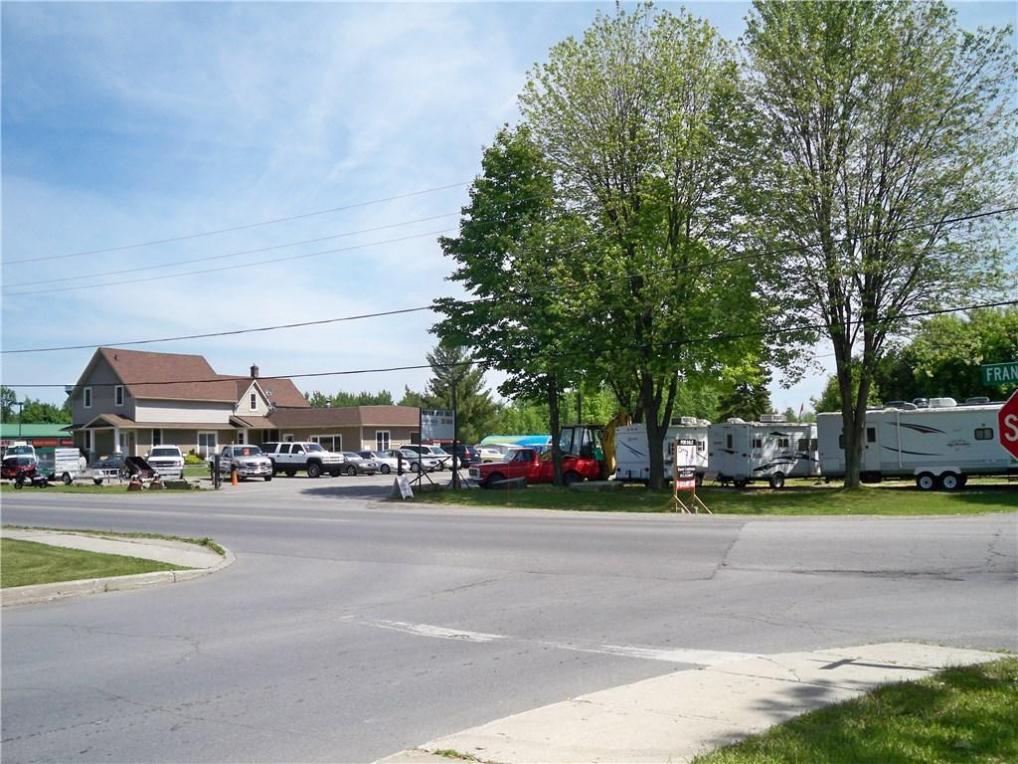 359 Franktown Road, Carleton Place, Ontario K7C2N4
