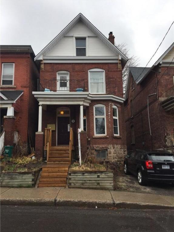 561 Gilmour Street, Ottawa, Ontario K1R5L5