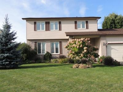 Photo of 7 Isabelle Street, Russell, Ontario K0A1W1