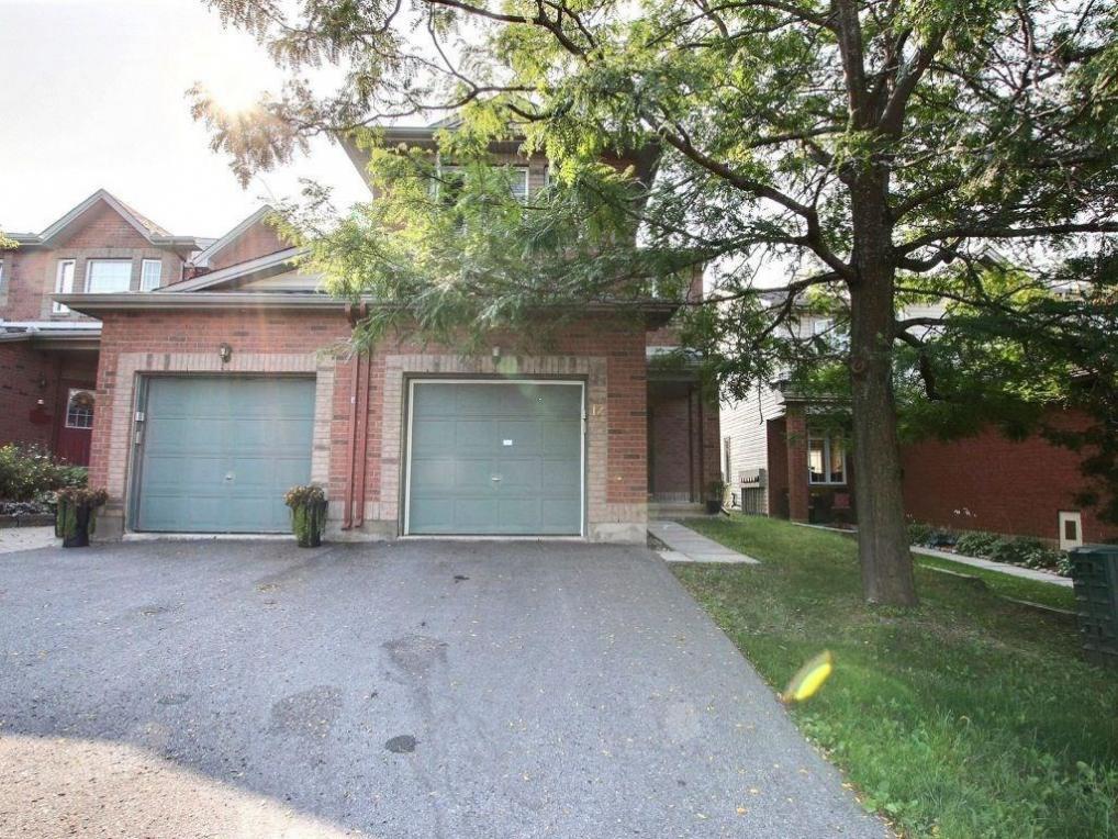 12 Borealis Crescent, Ottawa, Ontario K1K4T4