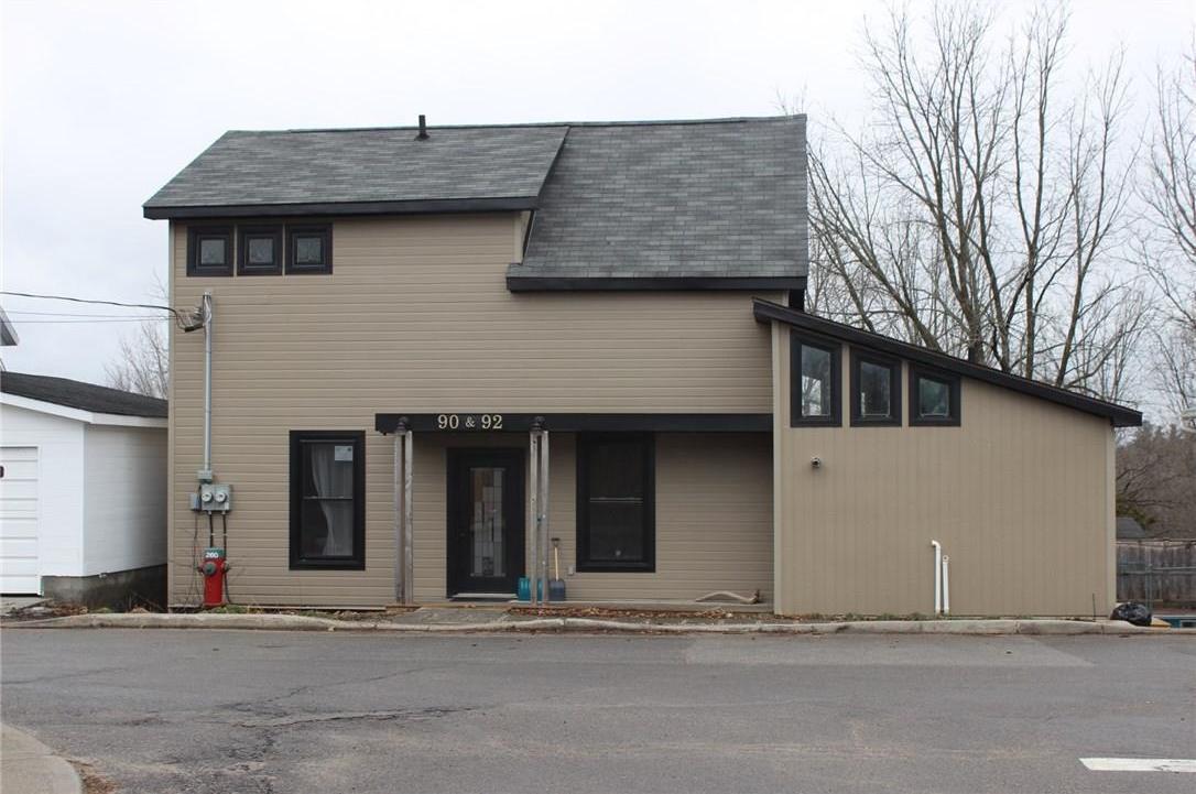 90-92 Union Street, Almonte, Ontario K0A1A0