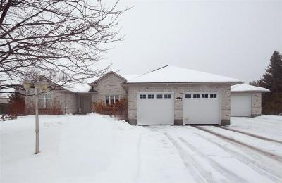 Photo of 1120 Lena Avenue, Ottawa, Ontario K4M1G2