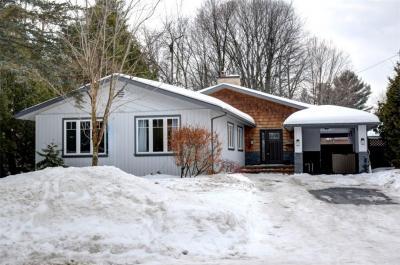 Photo of 2072 Palmer Avenue, Ottawa, Ontario K1H5Z4