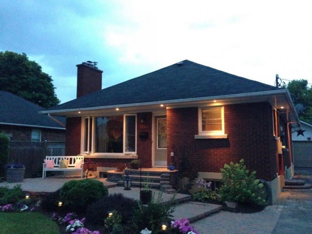 568 Alesther Street, Ottawa, Ontario K1K1J3